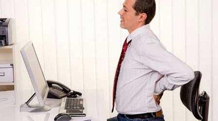 Dân văn phòng mắc bệnh trĩ do lười vận động